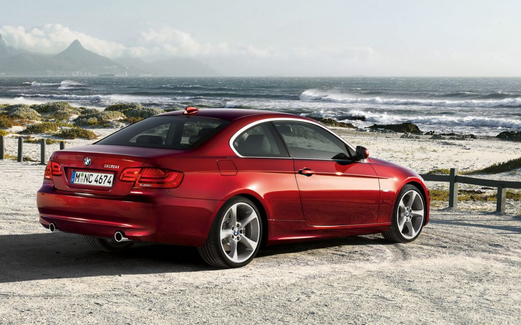 2011-bmw-3-series-coupe-172