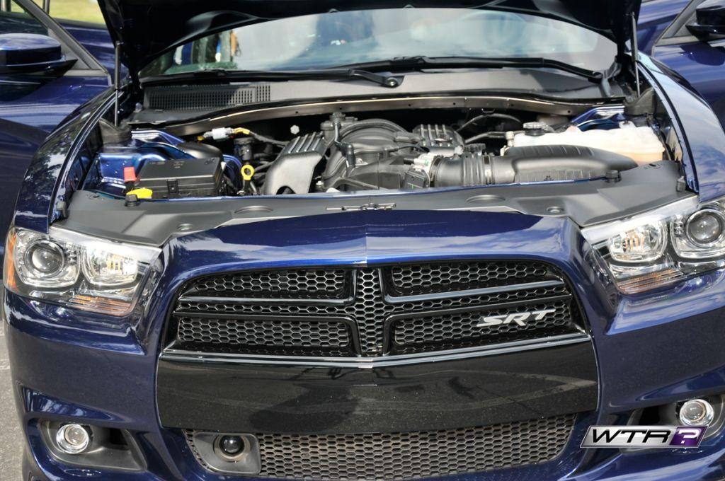 2014-Dodge-Charger-SRT8-front