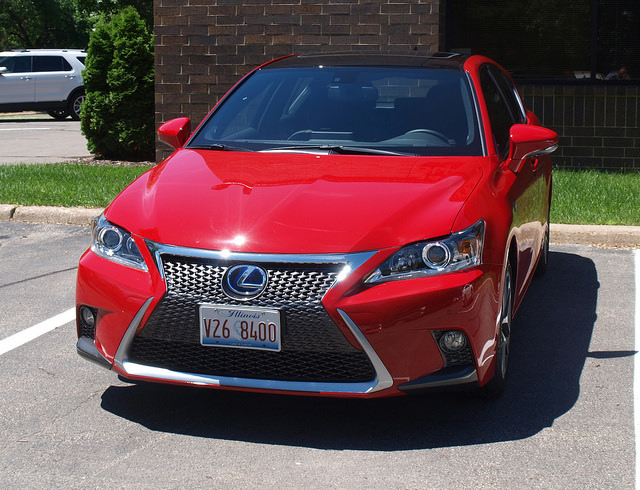 2014-Lexus-CT-200h-F-Sport-front