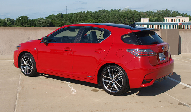 2014-Lexus-CT-200h-F-Sport-rear-side