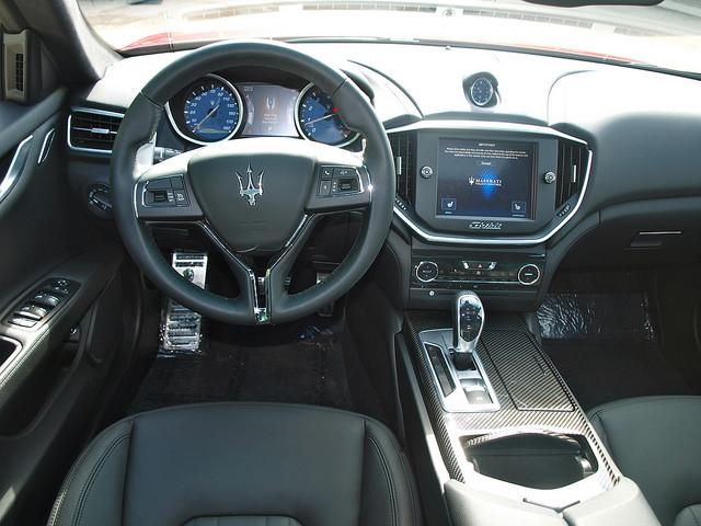 2014-Maserati-Ghibli-Q4-interior-driver-side