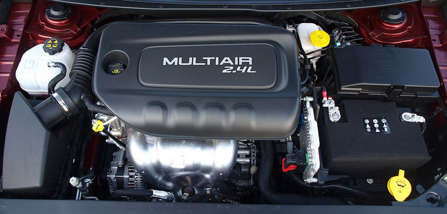 2015-chrysler-200-engine