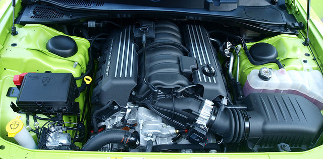 2015-dodge-challenger-RT-scat-pack-engine-med