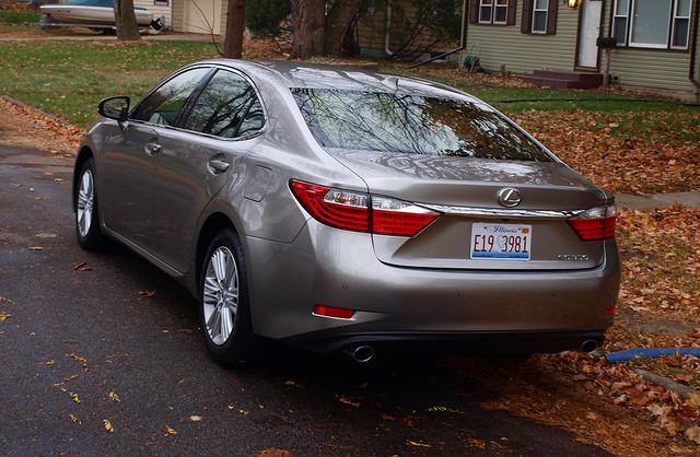 2015-lexus-es-350-rear-corner