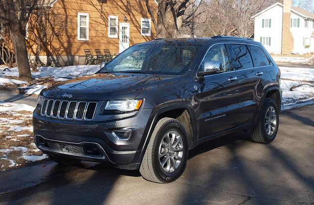 2015-jeep-grand-cherokee-limited-med