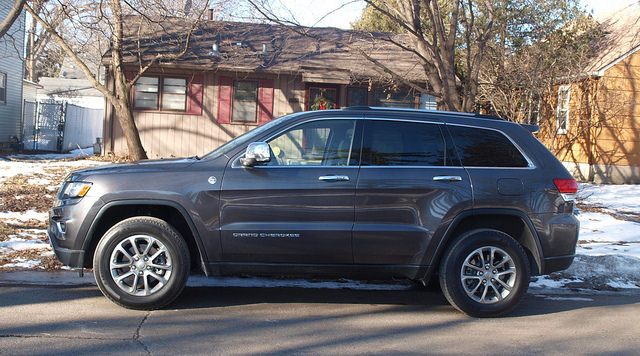 2015-jeep-grand-cherokee-limited-side