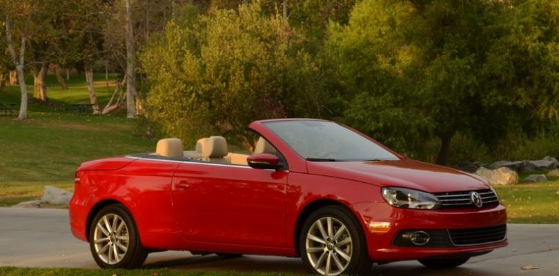 Folding Hardtop Convertibles: 2015 Volkswagen EOS vs 2015 Infiniti Q60