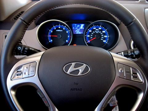 Hyundai_Tucson_dials