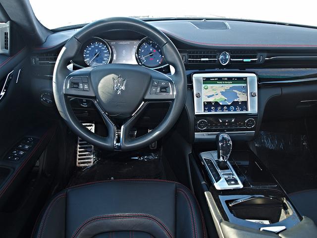 2015-Maserati-Quattroporte-S-Q4-interior-driver-side