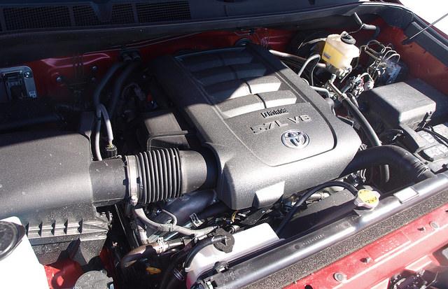 2015-Toyota-Tundra-Platinum-4X4-5-7L-V8-engine