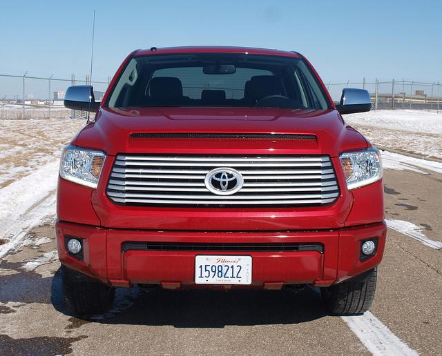 2015-Toyota-Tundra-Platinum-4X4-grille