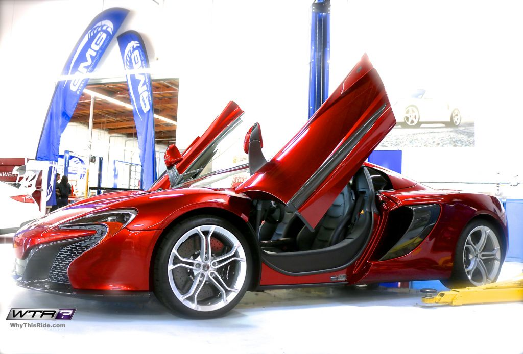 GMG-racing-open-house-red-mclaren