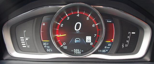 2015-5-Volvo-S60-T6-Drive-E-guage