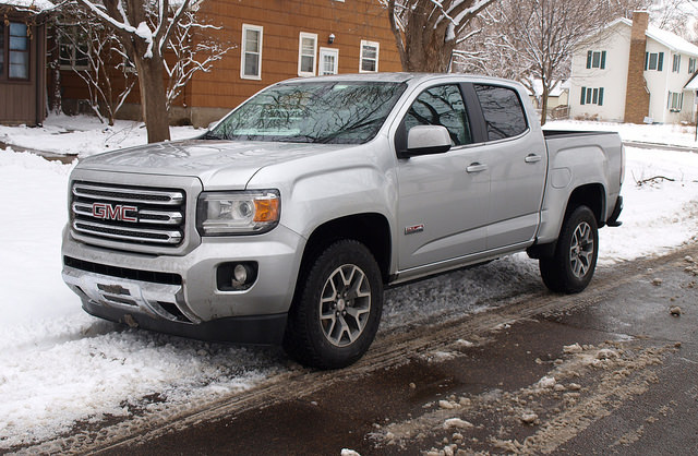 2015-GMC-Canyon-SLE-All-Terrain-front-corner