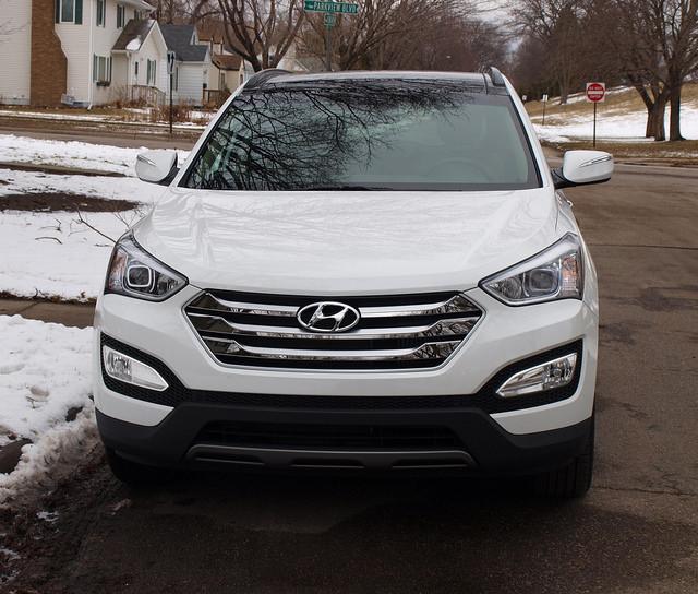 2015-Hyundai-Santa-Fe-Sport-2-0-T-Ulimate-grille
