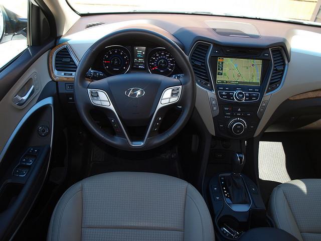 2015-Hyundai-Santa-Fe-Sport-2-0-T-Ulimate-interior-dash