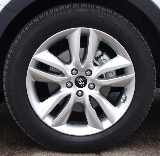 2015-Hyundai-Santa-Fe-Sport-2-0-T-Ulimate-wheel