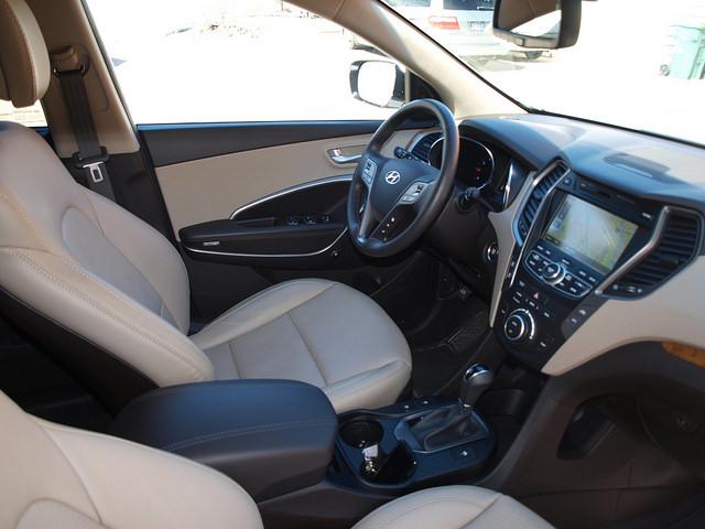 2015-Hyundai-Santa-Fe-Sport-2-0-T-Ultimate-interior-passenger-side