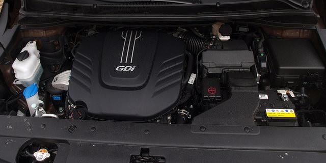 2015-Kia-Sedona-SXL-engine