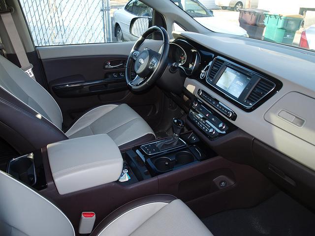2015-Kia-Sedona-SXL-interior-passenger-side