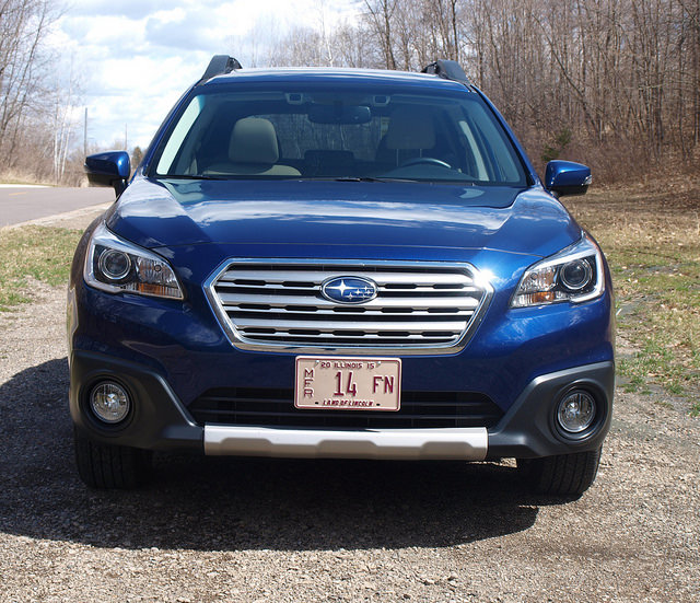 2015-Subaru-Outback-2-5i-Limited-grille
