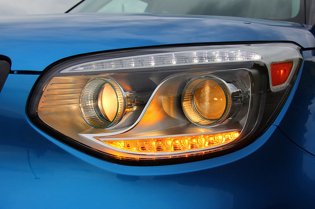 2015_kia_soul_ev_headlight