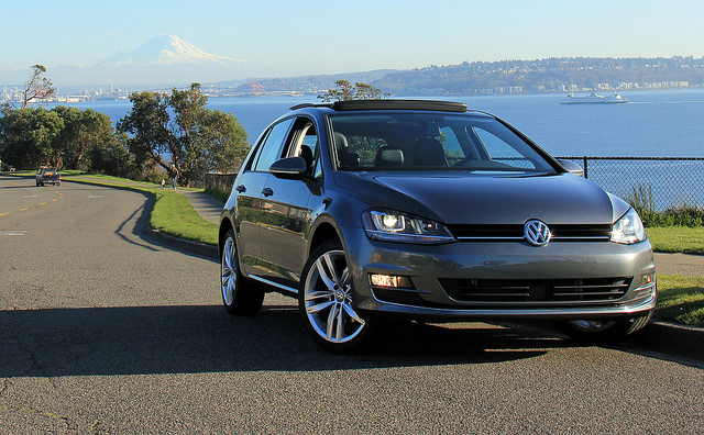 2015_vw_golf_front_exterior