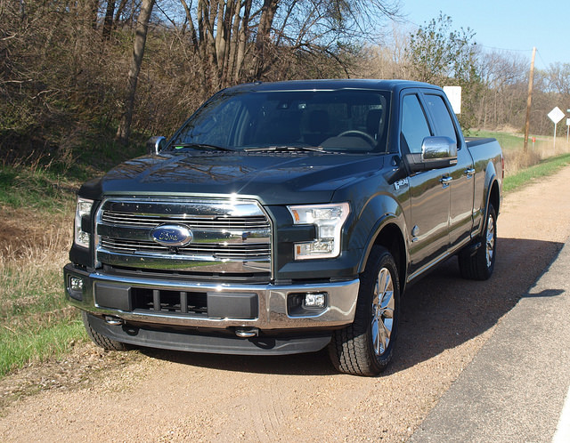 2015-Ford-F-150-King-Ranch-Super-Crew-4X4-grille2