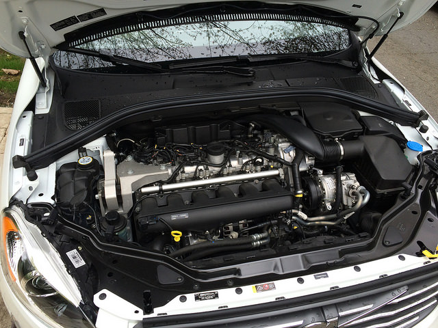 2015_volvo_xc60_t6_turbo_6_engine
