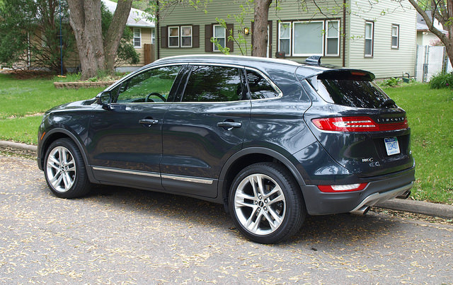 2015-Lincoln-MKC-AWD-side-rear-corner