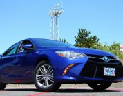 2015 Toyota Camry Hybrid SE Review