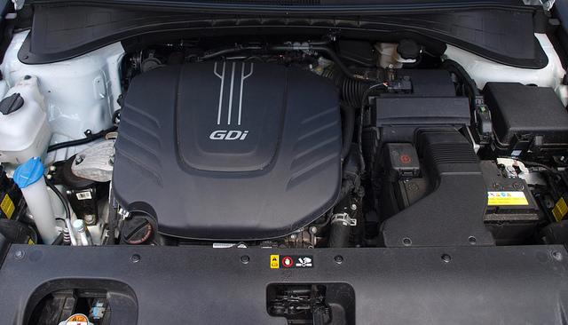 2016-Kia-Sorento-SXL-AWD-engine