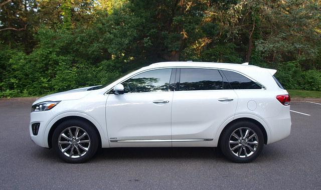 2016-Kia-Sorento-SXL-AWD-side