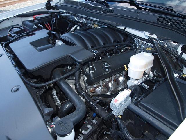 2015-Chevrolet-Silverado-1500-LT-Z71-engine
