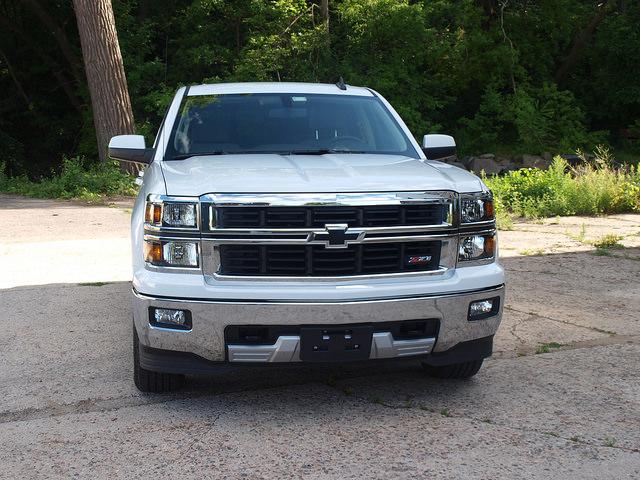 2015-Chevrolet-Silverado-1500-LT-Z71- grille