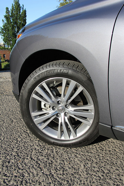 2015_lexus_rx_450h_19_inch_5_spoke_wheels