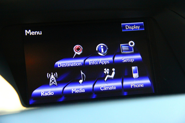 2015_lexus_rx_450h_infotainment_screen_display
