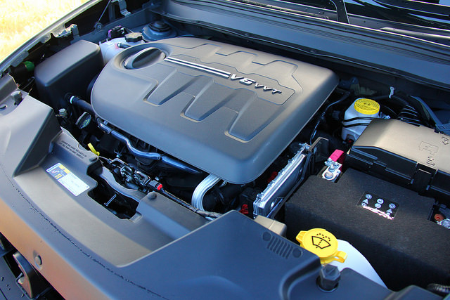 2015_jeep_cherokee_trailhawk_v6_engine