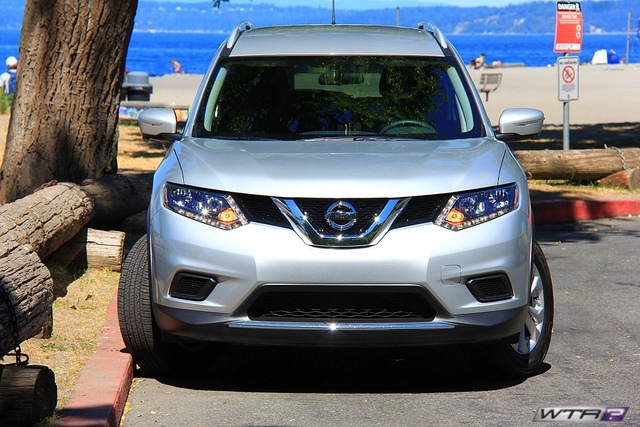 2016_nissan_rogue_front